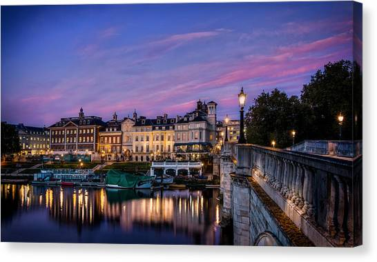 The Iconic Richmond By The River Canvas Print by Leigh Cousins