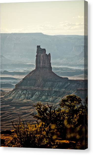 The King Of The Valley Canvas Print by Juan Carlos Diaz Parra