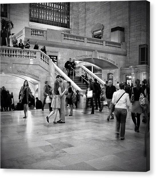 Kiss Canvas Print - The Kiss ... grand Central - Ny by Joel Lopez