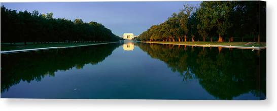 D.c. United Canvas Print - The Lincoln Memorial At Sunrise by Panoramic Images