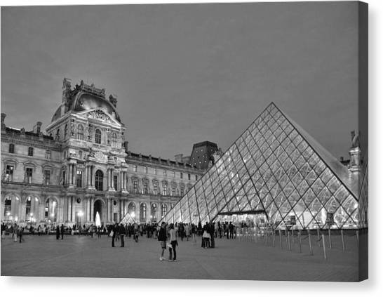 The Louvre Black And White Canvas Print