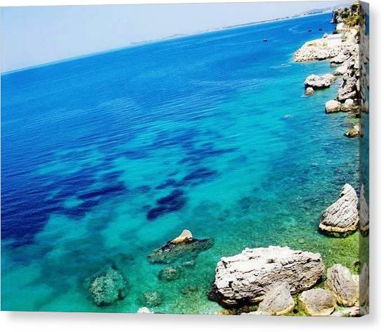 The Mighty Ocean Canvas Print