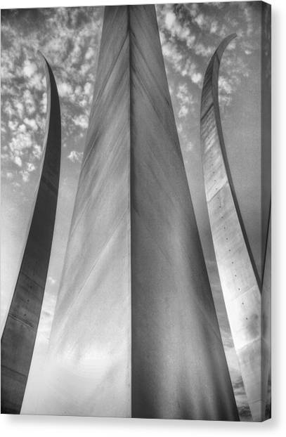 The Usaf Memorial In Black And White Canvas Print