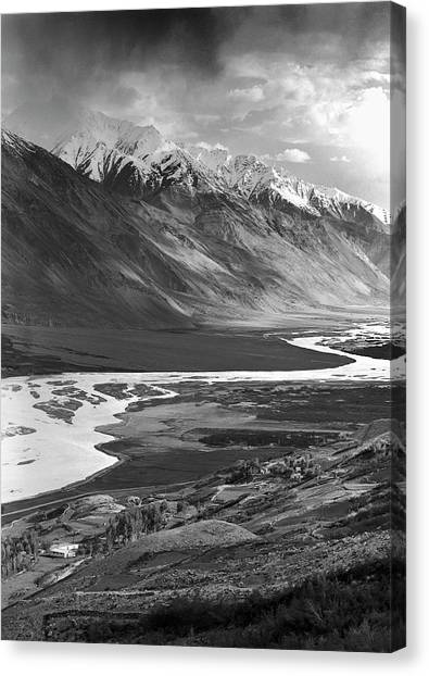 Hindu Kush Canvas Print - The Wakhan Corridor In The Pamir by Robert van Waarden