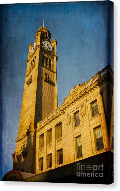 They Don't Build Them How They Used To - Clock Tower Of Central Station Sydney Australia Canvas Print