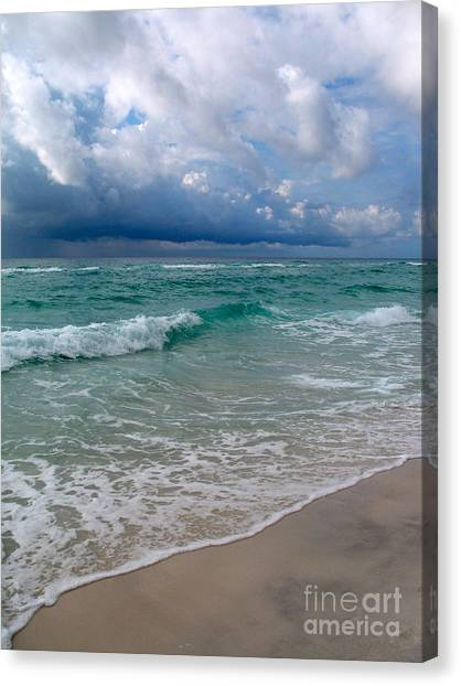 Canvas Print - Thunderstorm Arrives by Christiane Schulze Art And Photography