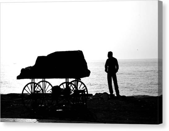 To Sea... Canvas Print by Lee Stickels