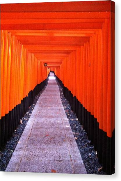 Torii Gates In Fushimi-inari Japan Canvas Print