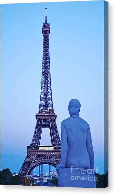 Tour Eiffel And Statue Canvas Print