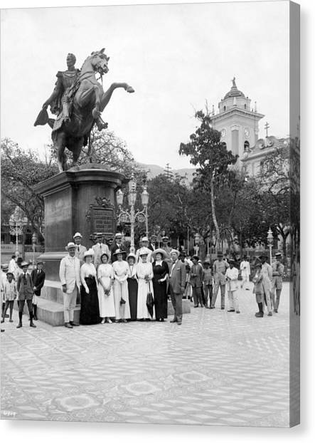 Venezuelan Canvas Print - Tourists In Caracas by Underwood Archives