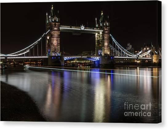 Tower Bridge With Boat Trails Canvas Print