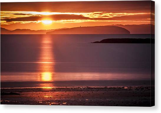 Traeth Bychan At Sunrise Canvas Print
