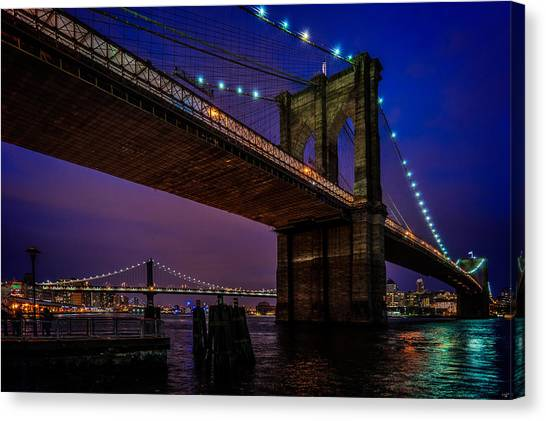 Twilight At The Brooklyn Bridge Canvas Print