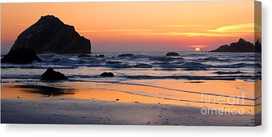 Twilight Coast Canvas Print