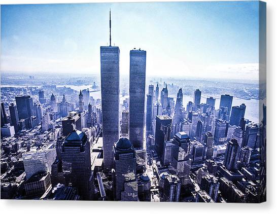 Twin Towers Year 2000 Canvas Print by Kim Lessel