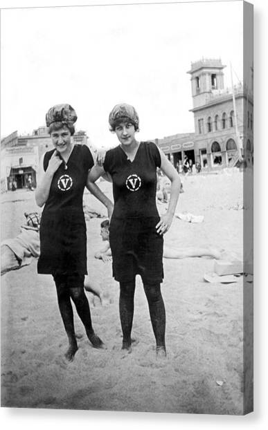 Venice Beach Canvas Print - Two Girls At Venice Beach by Underwood Archives