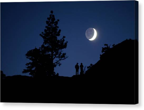 076e3b4005 Keri Canvas Print - Two People Watch The Moon Rise by Keri Oberly