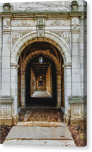 U Of M Law Canvas Print by Pat Cook