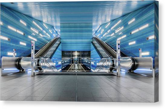 London Tube Canvas Print - U4-a?berseequartier by Oscar Lopez