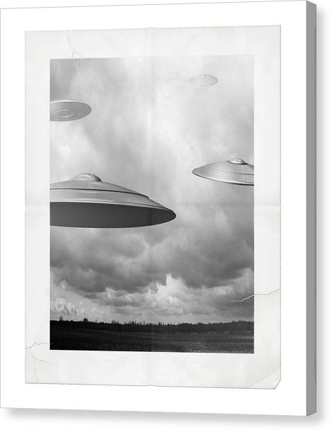 Ufo Sighting Canvas Print