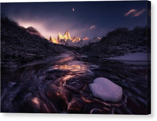 Argentinian Canvas Print - Under The Moon by Simon Roppel