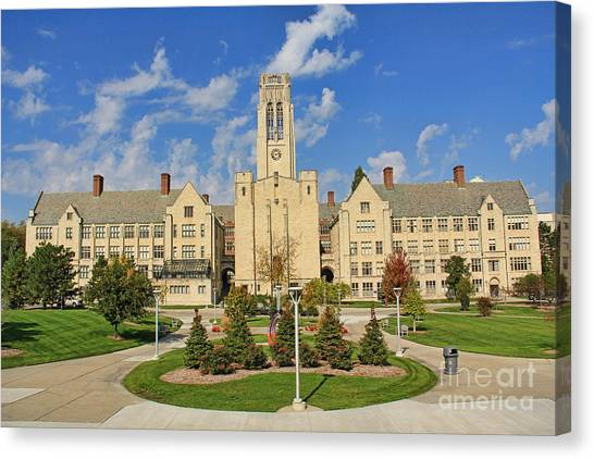 University Of Toledo Canvas Print - University Hall University Of Toledo 9185 by Jack Schultz