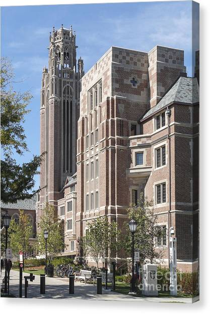 Mba Canvas Print - University Of Chicago Saieh Hall by Jannis Werner
