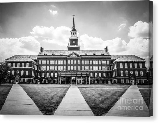 University Of Cincinnati Canvas Print - University Of Cincinnati Black And White Photo by Paul Velgos