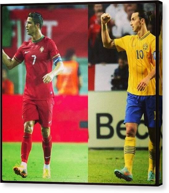 Soccer Canvas Print - ¡uno De Ellos Se Quedara Fuera Del by Lalo Doomm