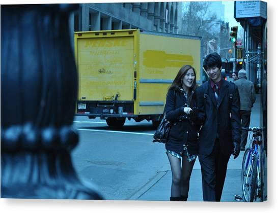 Urban Love2 Canvas Print