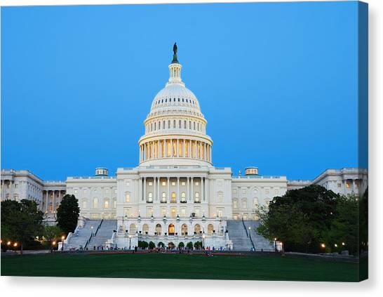 Us Capitol In Washington Dc. Canvas Print
