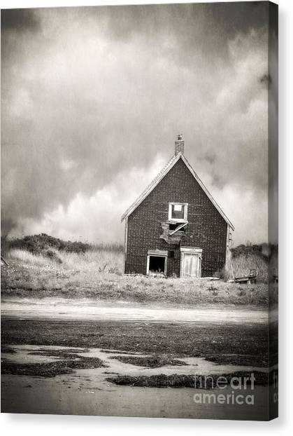 Old Houses Canvas Print - Vacation Rental by Edward Fielding