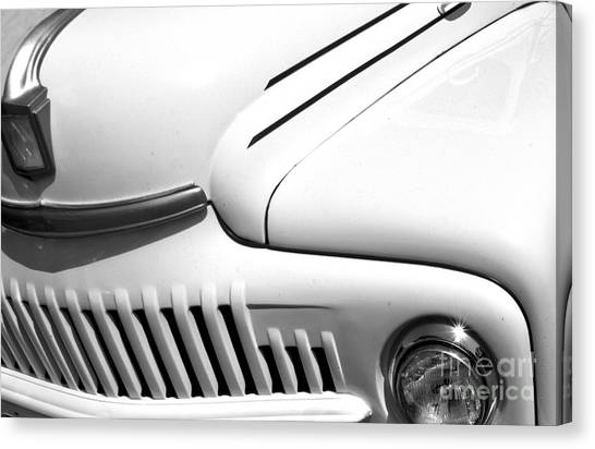 Canvas Print featuring the photograph Van Abstract by Mae Wertz