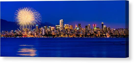 Vancouver Celebration Of Light Fireworks 2013 - Day 1 Canvas Print