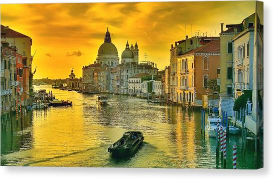Golden Venice 3 Hdr - Italy Canvas Print