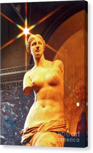 Le Louvre Canvas Print - Venus De Milo by Elizabeth Hoskinson
