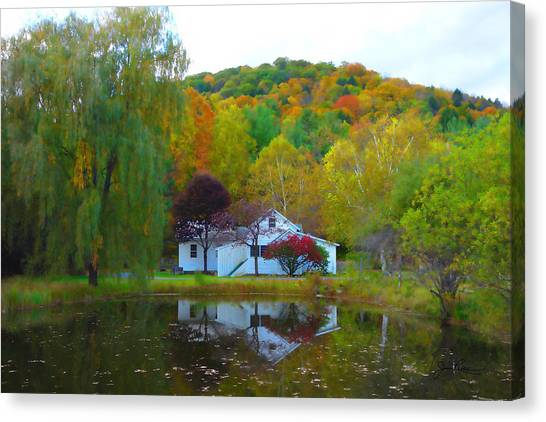 Vermont House In Full Autumn Canvas Print