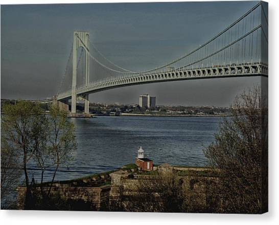 Verrazano Bridge And Fort Wadsworth Canvas Print