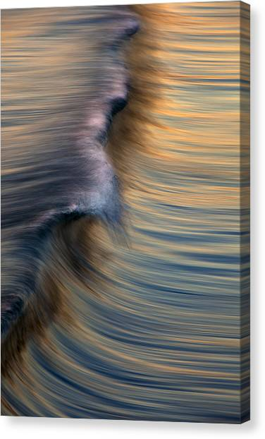 Vertical Wave  Mg0420 Canvas Print