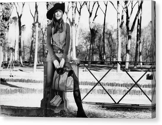 Sun Belt Canvas Print - Veruschka Holding Gucci Handbags In Rome by Henry Clarke