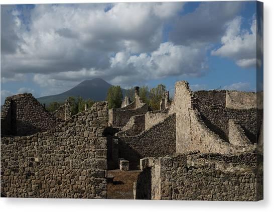 Vesuvius Towering Over The Pompeii Ruins Canvas Print