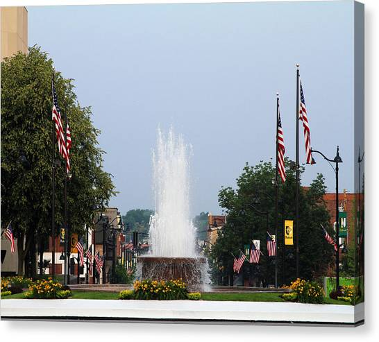Veterans Memorial Fountain Belleville Illinois Canvas Print