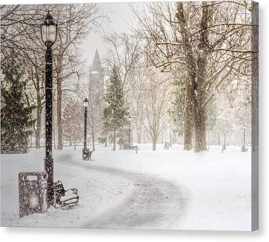 Canvas Print featuring the photograph Victoria Park by Garvin Hunter