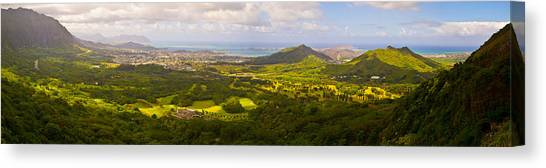 View From Nuuanu Pali Canvas Print by Matt Radcliffe