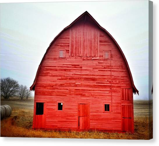 View Of Red Barn Canvas Print by Shannon Ramos / Eyeem