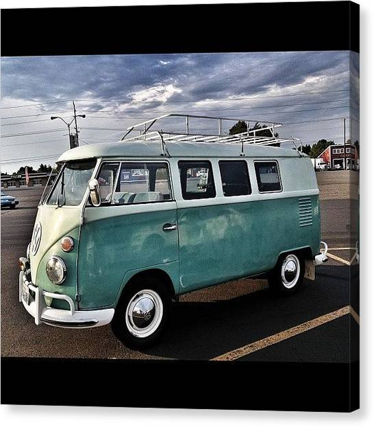 Vw Bus Canvas Print - Vintage Volkswagen Bus 2 by Couvegal Brennan