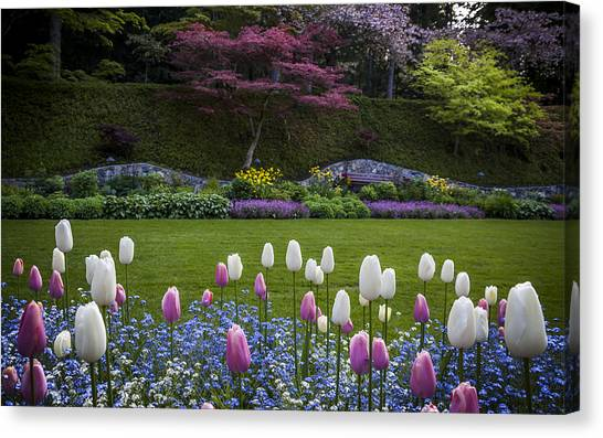 Wall At Bouchart Gardens Canvas Print