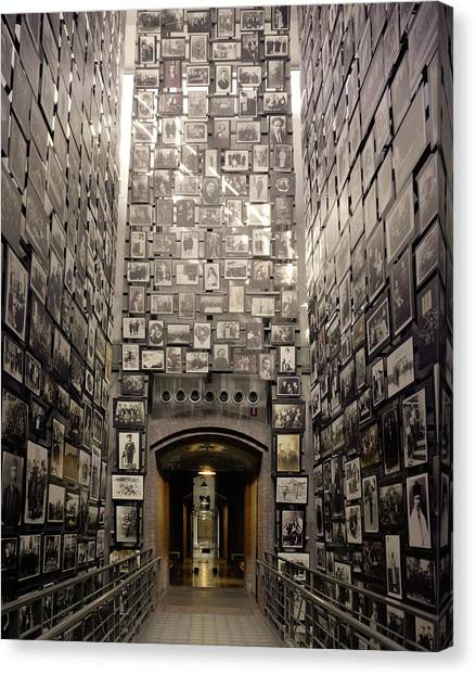 Holocaust Museum Canvas Print - Wall Of Remembrance At The U.s by Everett