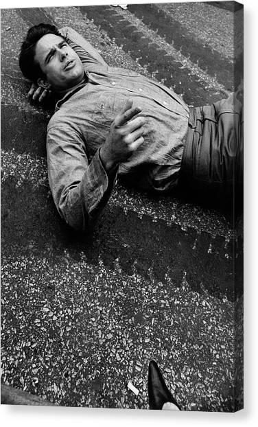 Warren Beatty Lying On The Ground Canvas Print