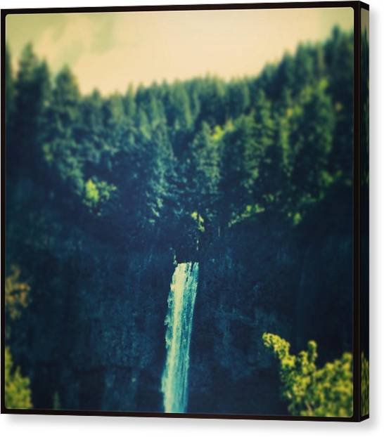 Waterfall In Multnomah Falls Photograph By Bethany Masters